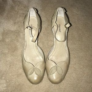 Coupeleaf (Anthropologie) beige colored heels